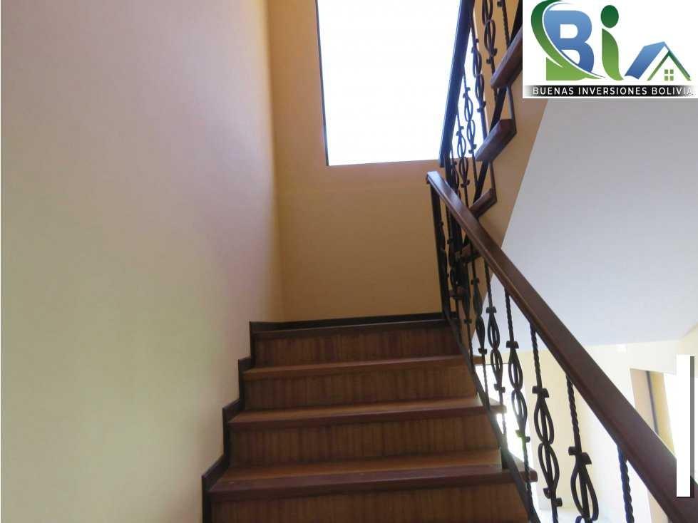 Casa en Alquiler $us.850 ALQUILER CASA 4 SUITES EN CONDOMINIO PROX. COL. TIQUIPAYA Foto 10