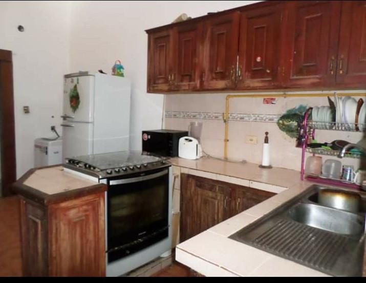 Casa en Venta CASA EN VENTA BARRIO EL CARMEN AV. 2 de Agosto Calle James Joyce Foto 2