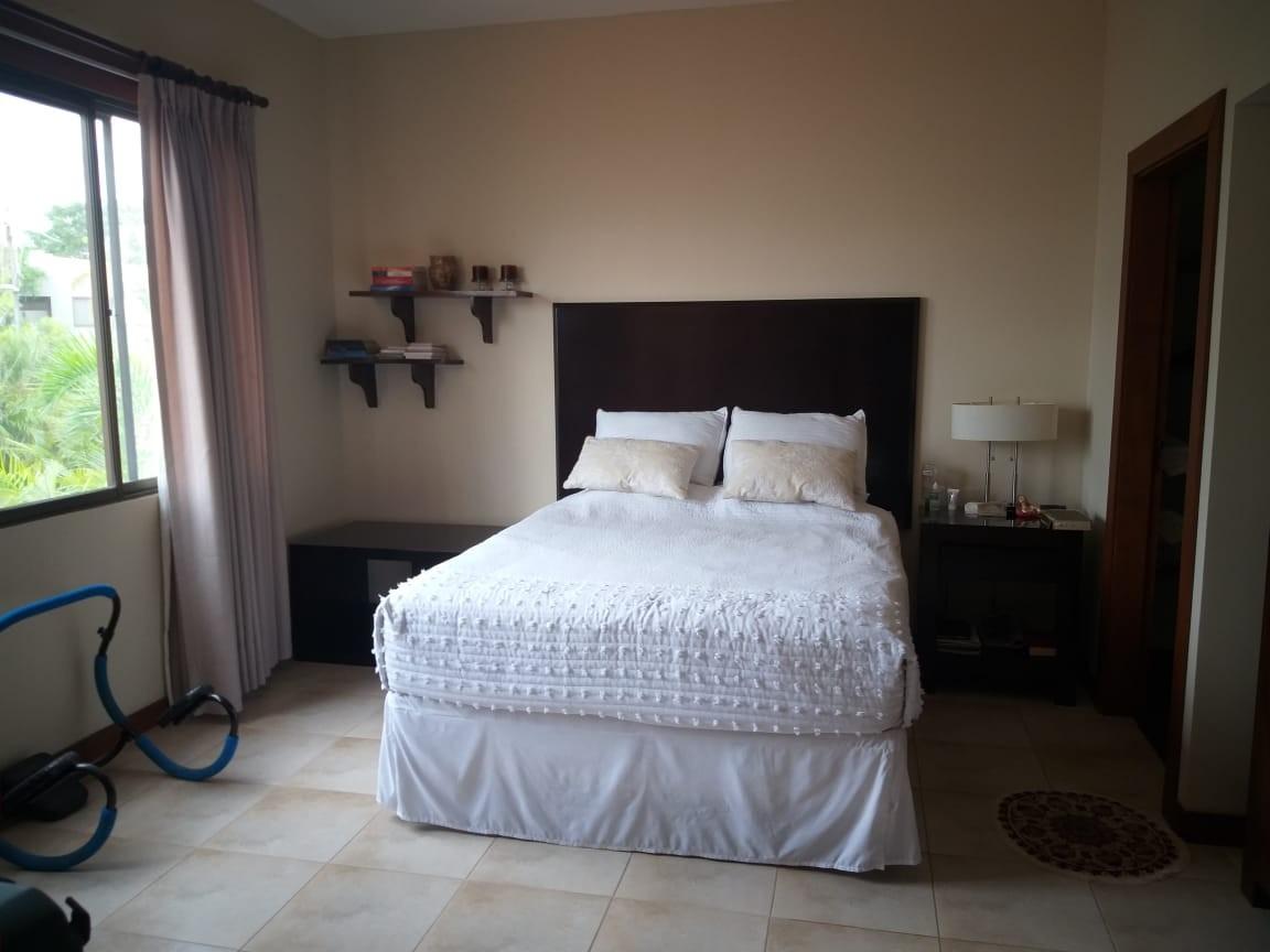 Casa en Alquiler URUBO, CASA EN ALQUILER 2500$ Foto 3