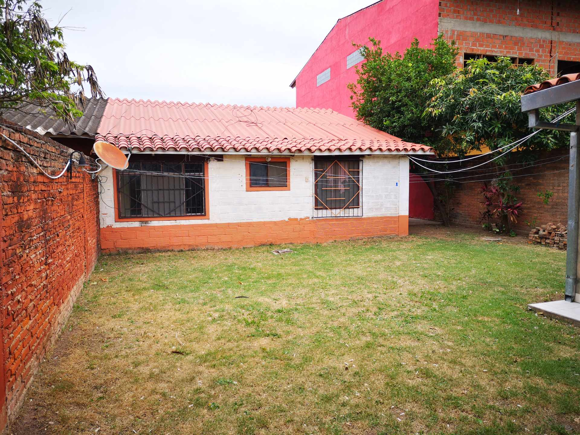Casa en Alquiler Entre 4to y 5to anilo, entre Radial 10 y Av Sudamericana Calle Asoka Foto 4