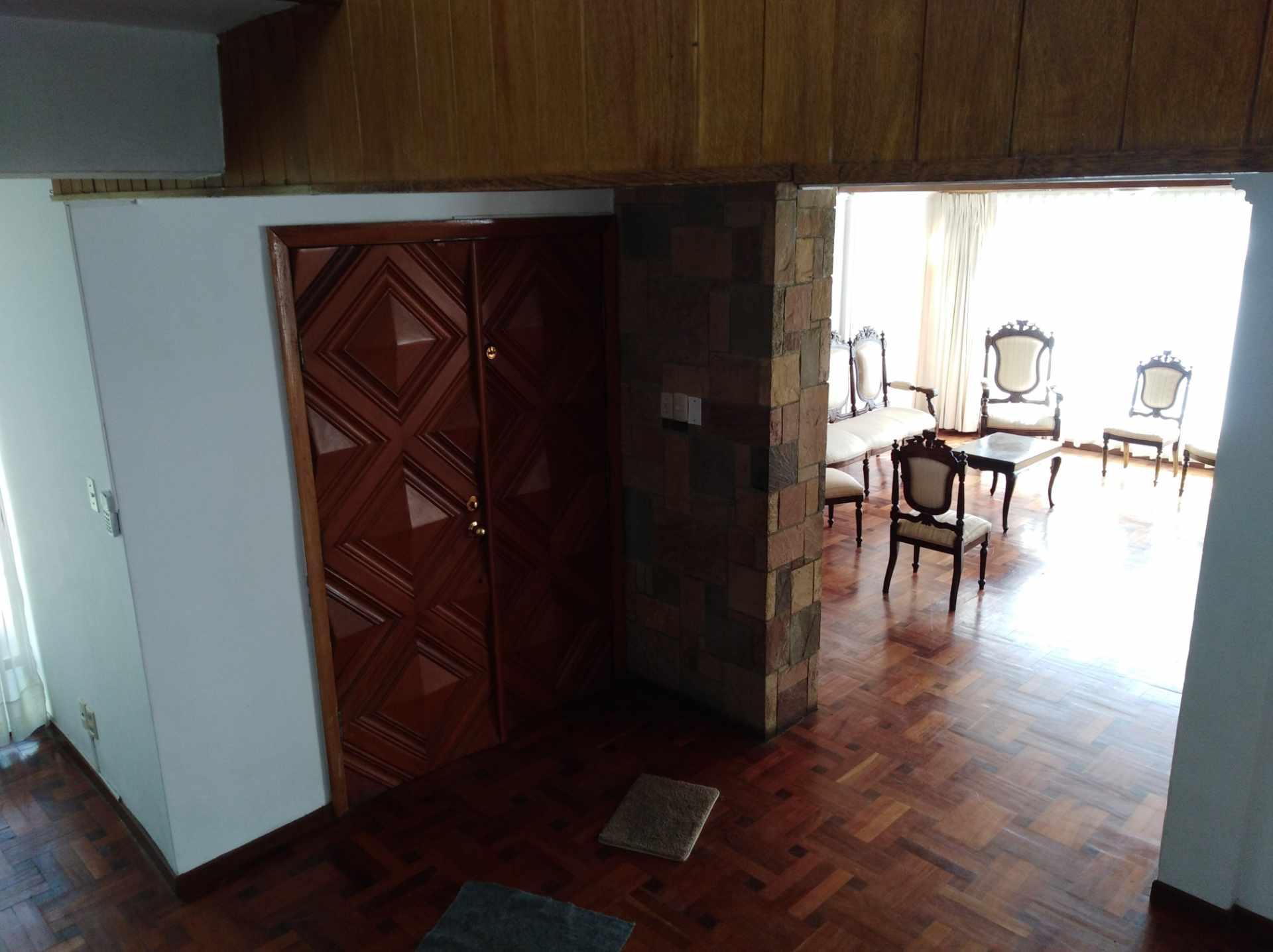 Casa en Alquiler CALACOTO calle 16 a 1/2 cuadra de la Av. Julio C. Patiño.  Foto 19