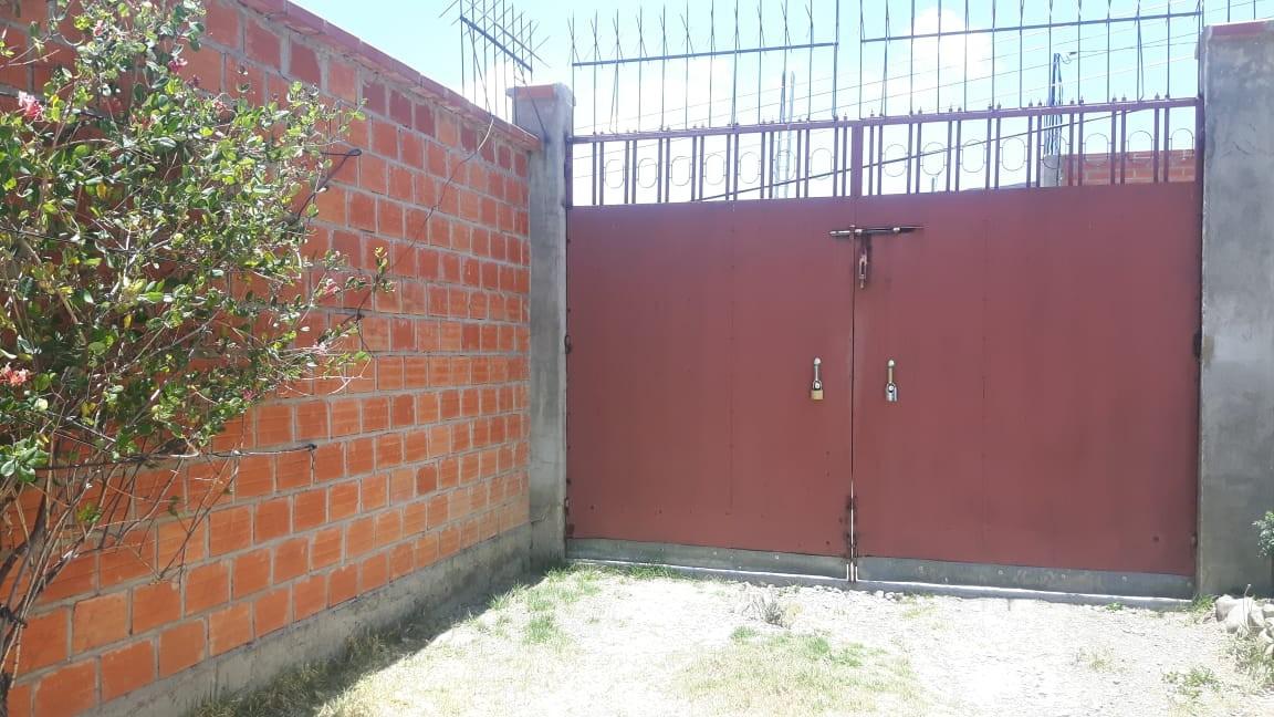 Casa en Anticretico Casa en ANTICRETICO NO MASCOTAS Las Rosas Zona Achumani La Paz todos los servicios y jardines Foto 12