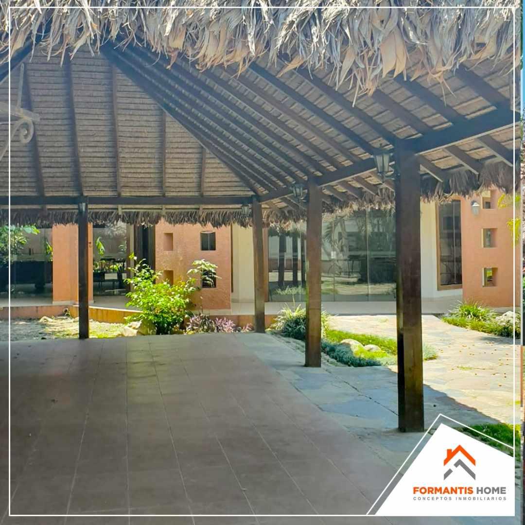 Casa en Venta REMATO CASA EN VENTA EN CONDOMINIO SANTA BARBARA, CARRETERA A COTOCA KM 7 Foto 8