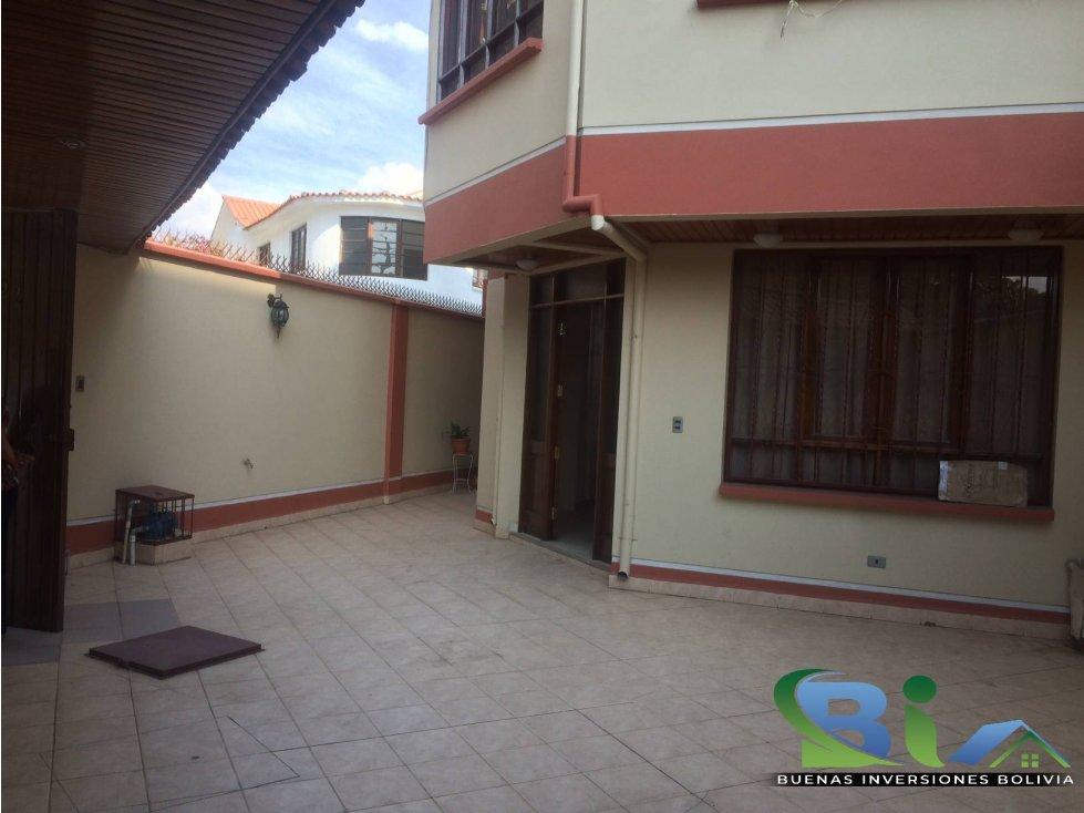 Casa en Alquiler $us1000CASA EMPRESA/FAMILIA PROX PLAZA QUINTANILLA Foto 5