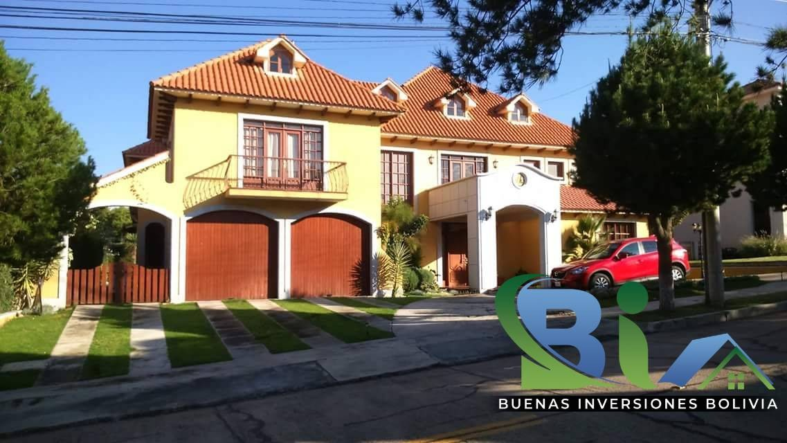 Casa en Alquiler $us.1800 ALQUILER RESIDENCIA COLONIAL 1100M2 URB. BOSQUE SUR Foto 21