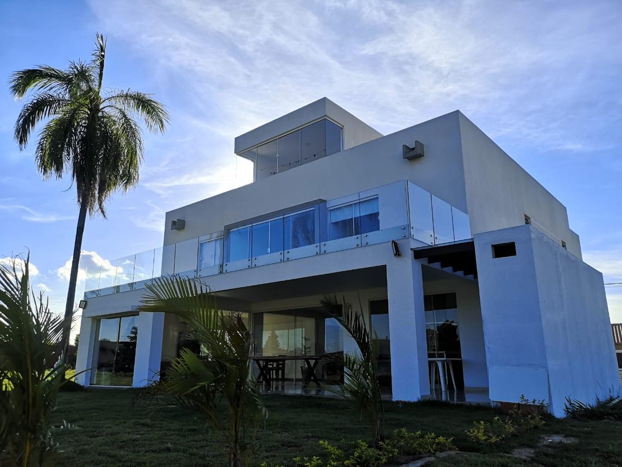 Casa en Venta ¡MODERNA Y AMPLIA CASA EN VENTA EN EL CONDOMINIO CERRADO LOMAS DEL BOSQUE, URUBO! Foto 2