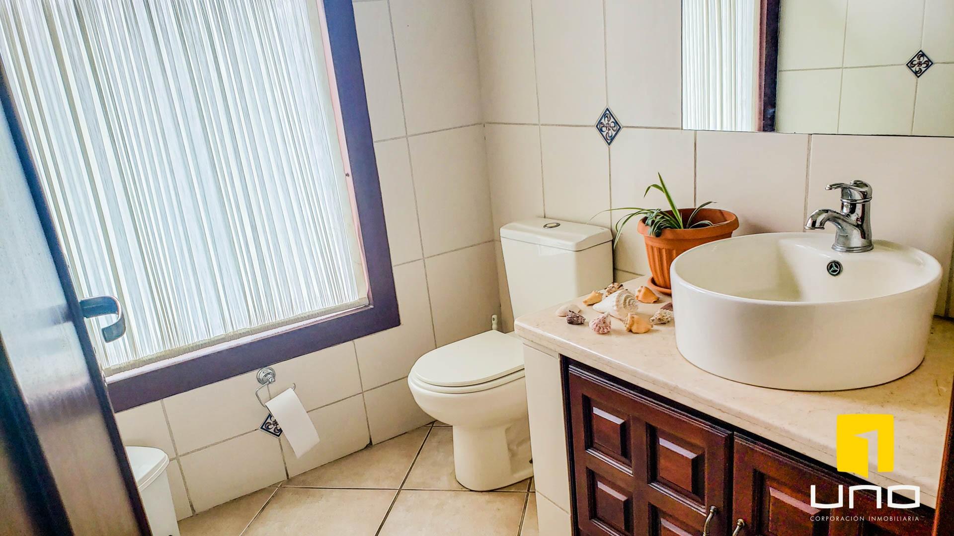 Casa en Alquiler COLINAS DEL URUBO I ALQUILO AMPLIA CASA DE UNA PLANTA Foto 13