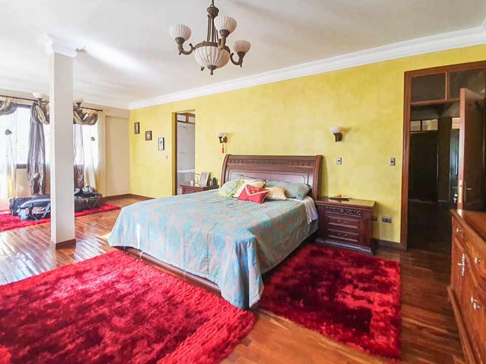 Casa en Venta Hermosa residencia en venta en Cochabamba Foto 5
