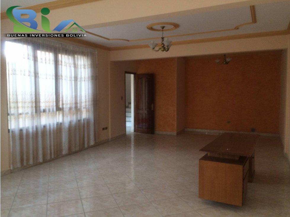Casa en Alquiler $us1000CASA EMPRESA/FAMILIA PROX PLAZA QUINTANILLA Foto 6