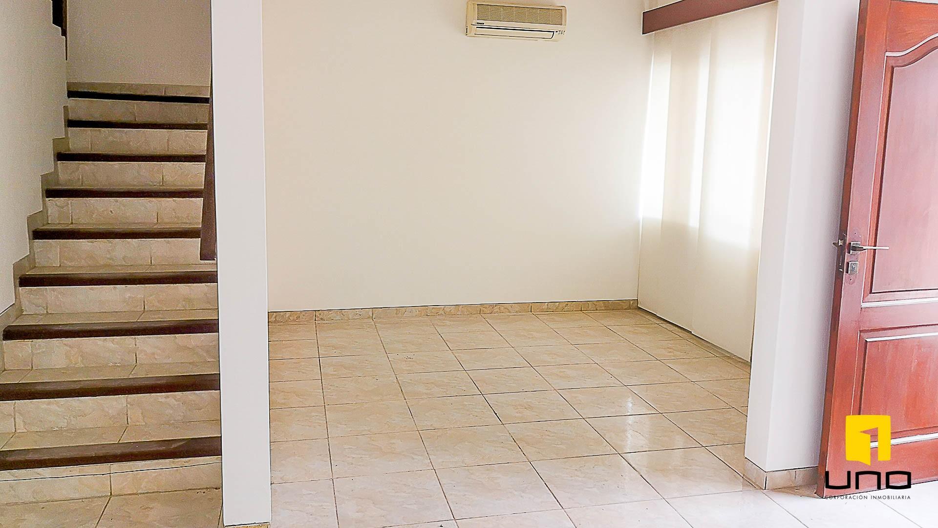 Casa en Venta $us 150.000 VENDO CASA AV ALEMANA DENTRO 3ER ANILLO TIPO DUPLEX Foto 12