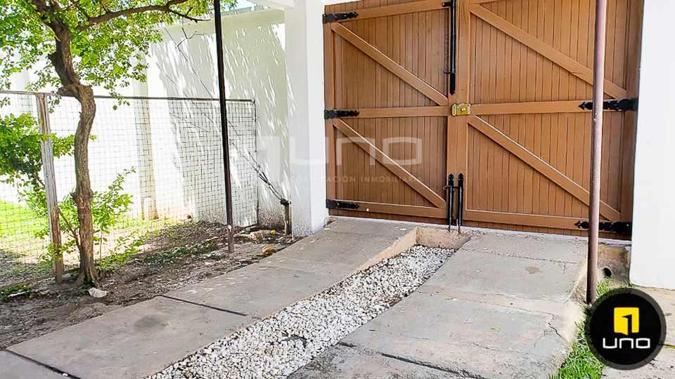 Casa en Alquiler CASA DE 1 PLANTA SOLO PARA OFICINA EN EL BARRIO EQUIPETROL Foto 15