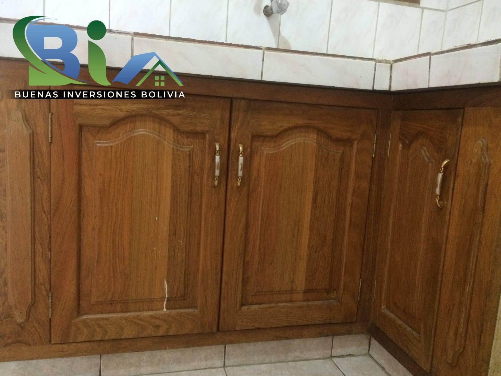 Casa en Alquiler $us.450.- CASA INDEPENDIENTE TRES PLANTAS ZONA CHIMBA PARQUE ACUATICO Foto 9