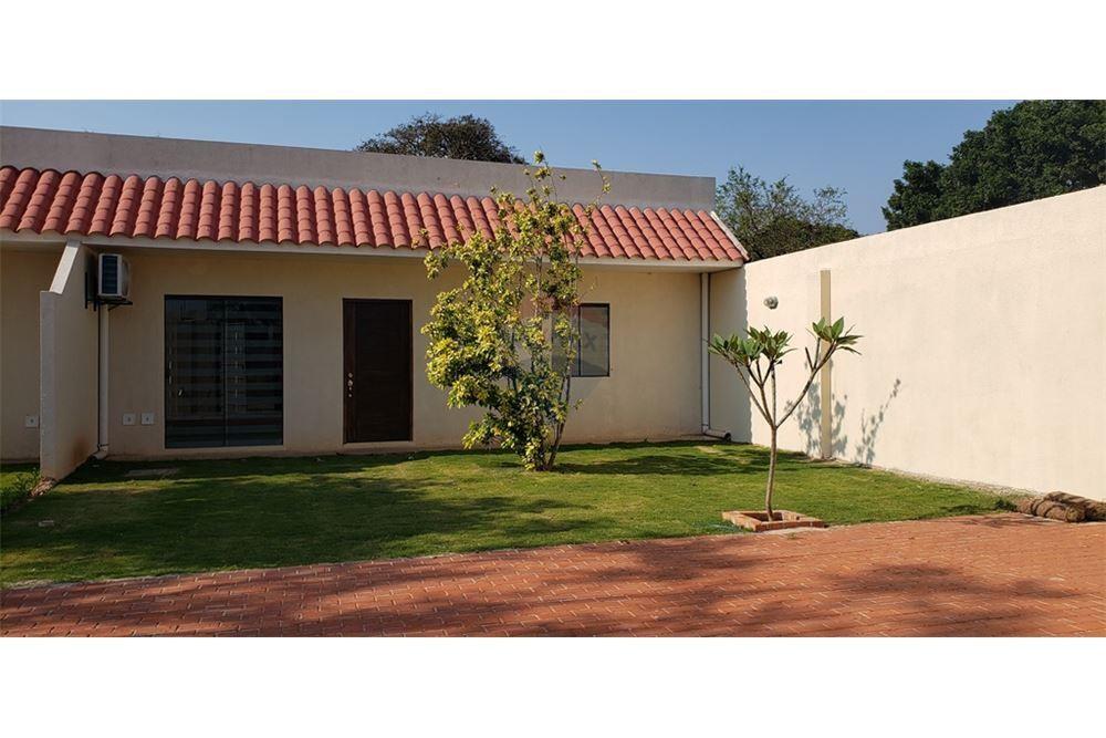 Casa en Alquiler G77 Y AV. INTERNACIONAL Foto 2