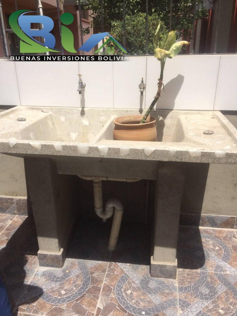 Casa en Alquiler $us.450.- CASA INDEPENDIENTE TRES PLANTAS ZONA CHIMBA PARQUE ACUATICO Foto 13