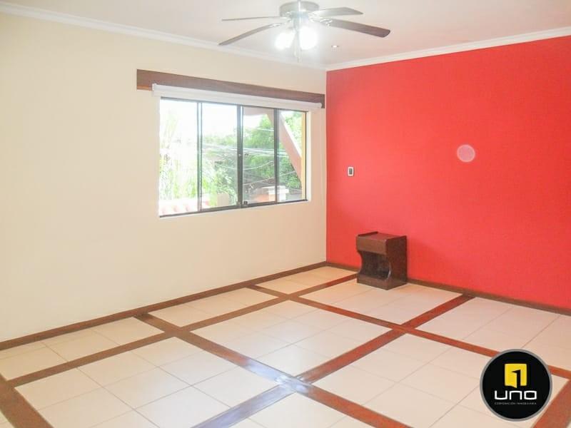 Casa en Alquiler ZONA NORTE, 4TO ANILLO Y CANAL ISUTO IDEAL PARA VIVENDA O EMPRESA Foto 4