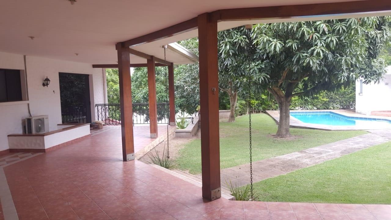 Casa en Alquiler URUBO LA COLINA II Foto 8