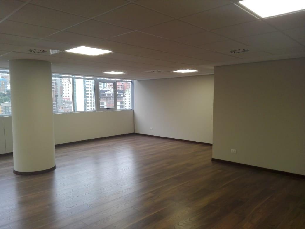 Oficina en Alquiler Av. Arce, plaza Isabel la Católica, las Torres Mall , torre B, piso 11, zona San Jorge  Foto 6