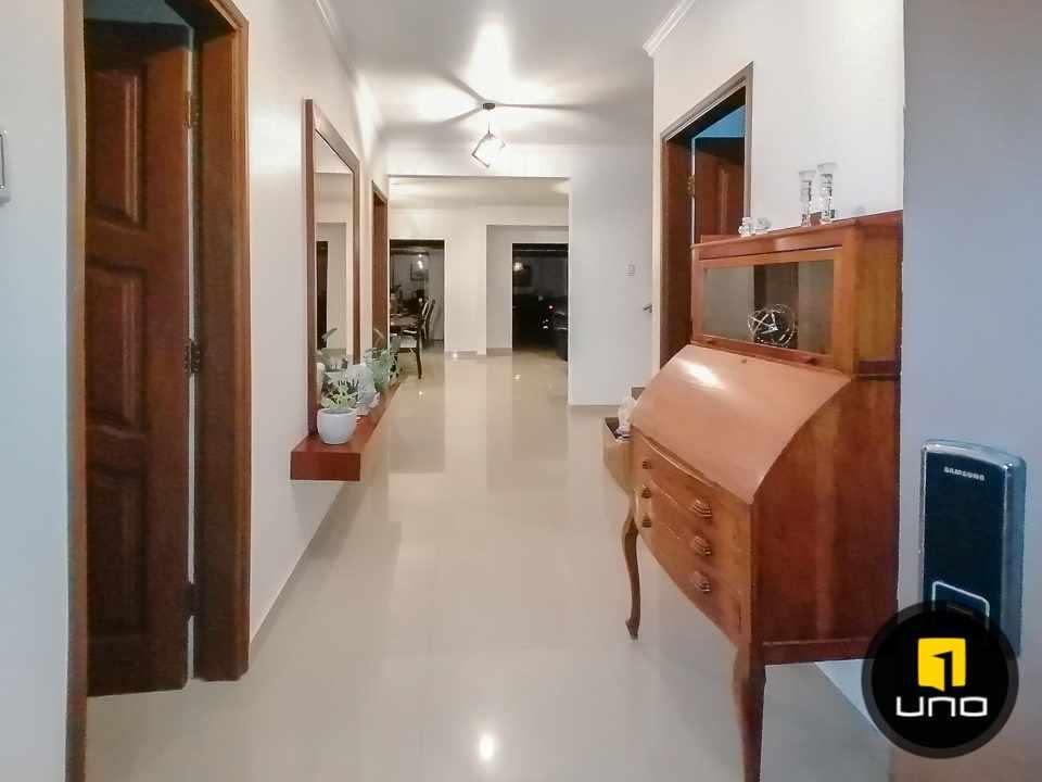 Casa en Alquiler HERMOSA CASA EN CONDOMINIO CIUDAD JARDIN ZONA NORTE AV. BANZER 6TO ANILLO Foto 4