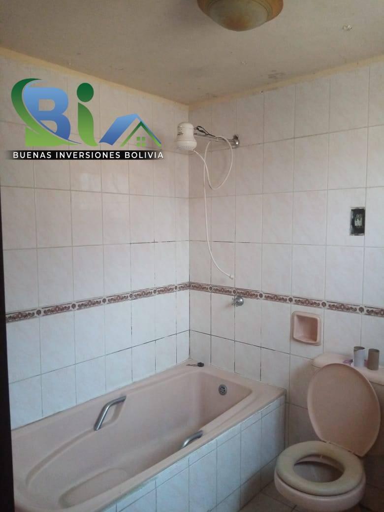 Casa en Venta $us.290.000 CASA EN ESQUINA + TIENDA PROX AV. HEROINAS ZONA SAN PEDRO Foto 9