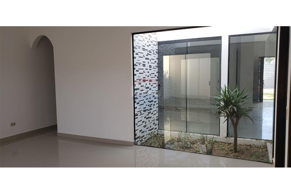 Casa en Alquiler G77 Y AV. INTERNACIONAL Foto 9