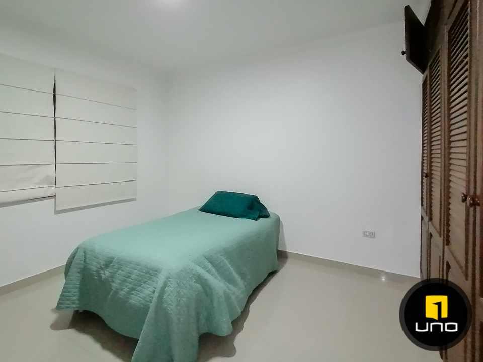 Casa en Alquiler HERMOSA CASA EN CONDOMINIO CIUDAD JARDIN ZONA NORTE AV. BANZER 6TO ANILLO Foto 6