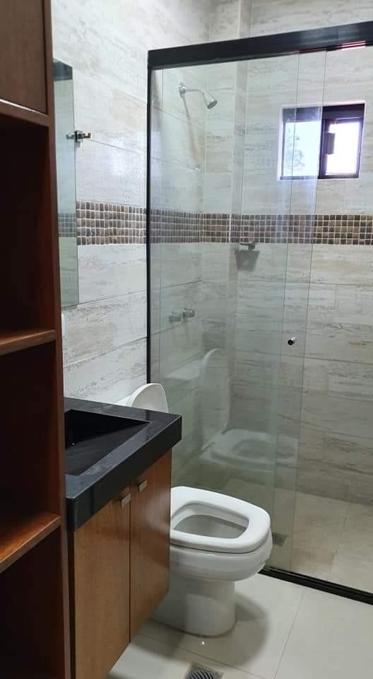 Casa en Venta 8vo Anillo y Av. Virgen de Cotoca Foto 3