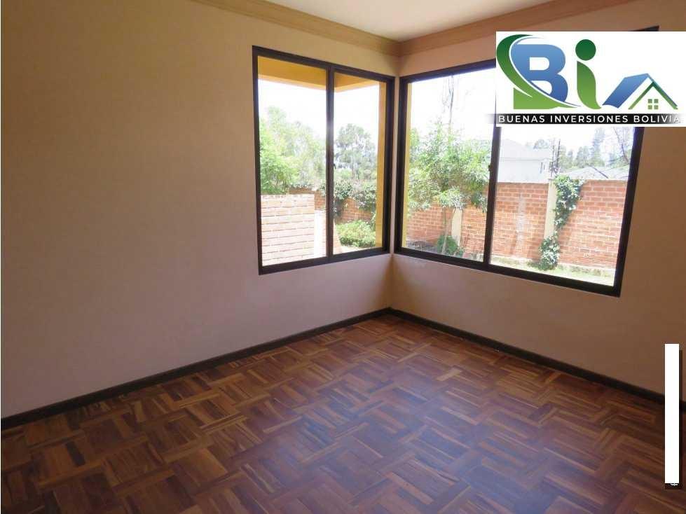 Casa en Alquiler $us.850 ALQUILER CASA 4 SUITES EN CONDOMINIO PROX. COL. TIQUIPAYA Foto 2