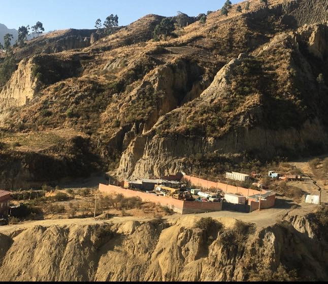 Terreno en Venta Achumani inmediaciones de la zona de Las Violetas  Foto 2