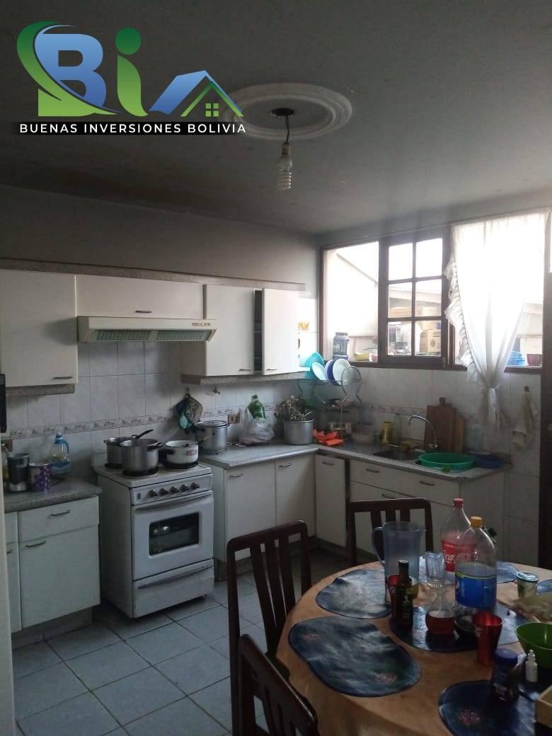 Casa en Venta $us.290.000 CASA EN ESQUINA + TIENDA PROX AV. HEROINAS ZONA SAN PEDRO Foto 8
