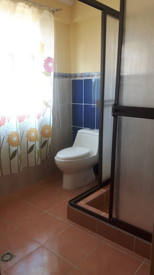 Casa en Anticretico Casa en ANTICRETICO NO MASCOTAS Las Rosas Zona Achumani La Paz todos los servicios y jardines Foto 14