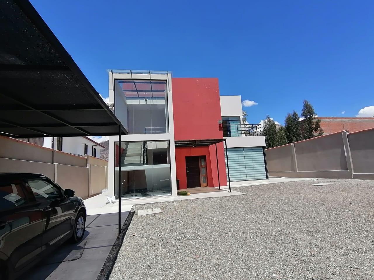 Casa en Venta $us.250.000.- LINDA CASA EN VENTA JUPAPINA 653 mtrs DE TERRENO LPZ Foto 18