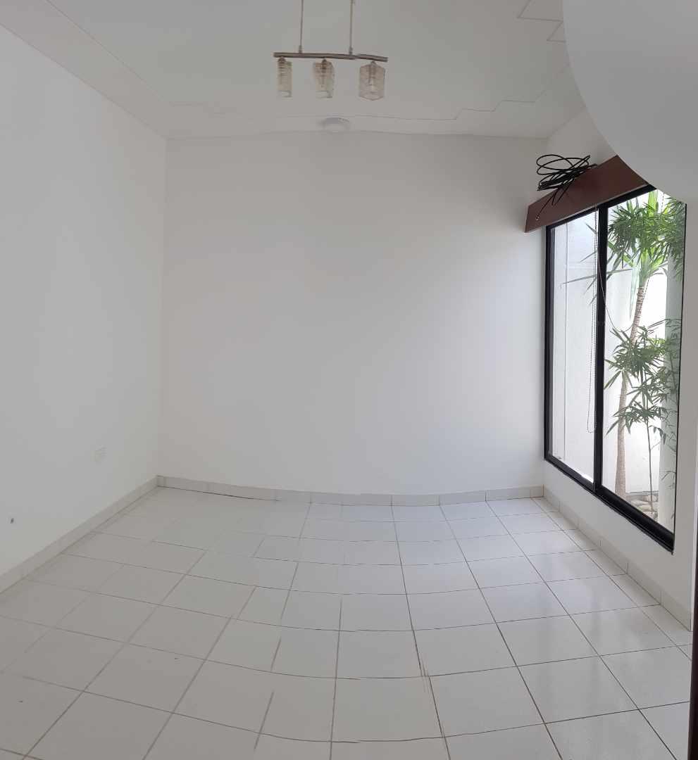 Casa en Alquiler LINDA CASA EN URBARI-  2 DORMITORIOS  Sus. 600.- Foto 5
