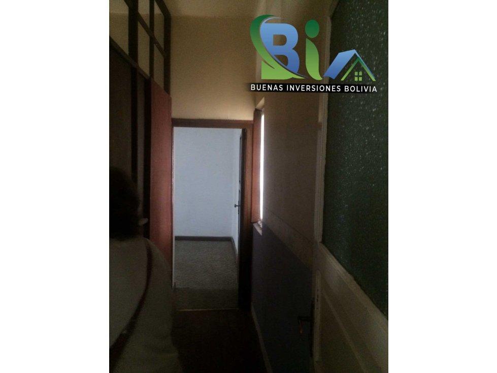 Casa en Alquiler $us 700.- CASA IDEAL OFICINA/VIVIENDA ZONA CENTRAL Foto 7