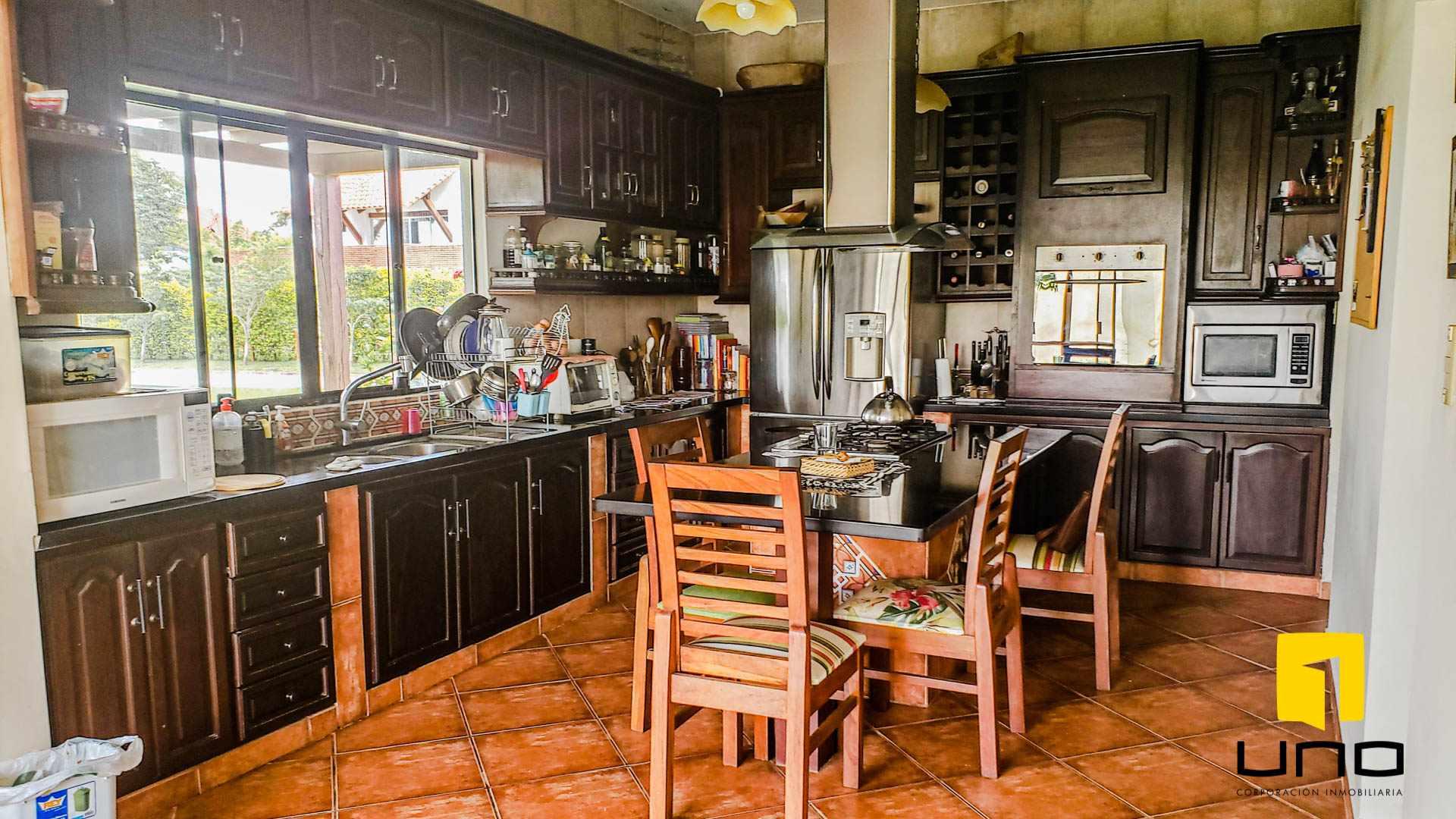 Casa en Alquiler COLINAS DEL URUBO I ALQUILO AMPLIA CASA DE UNA PLANTA Foto 8