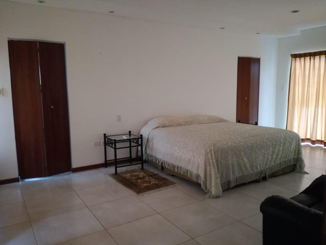 Casa en Alquiler Condominio exclusivo a pocos minutos del puente Urubó  Foto 9