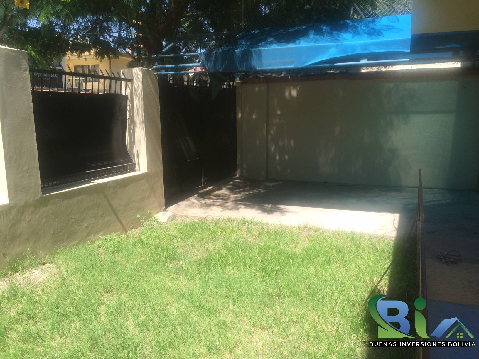 Casa en Alquiler $us 1.300.- CASA INMEDIACIONES CINE CENTER Foto 8