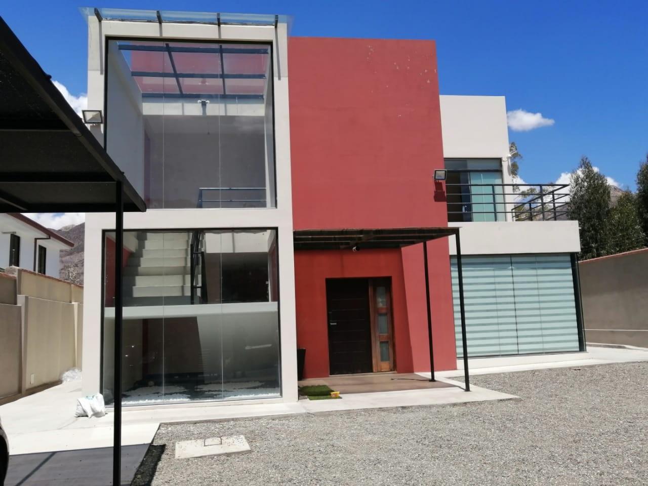 Casa en Venta $us.250.000.- LINDA CASA EN VENTA JUPAPINA 653 mtrs DE TERRENO LPZ Foto 19