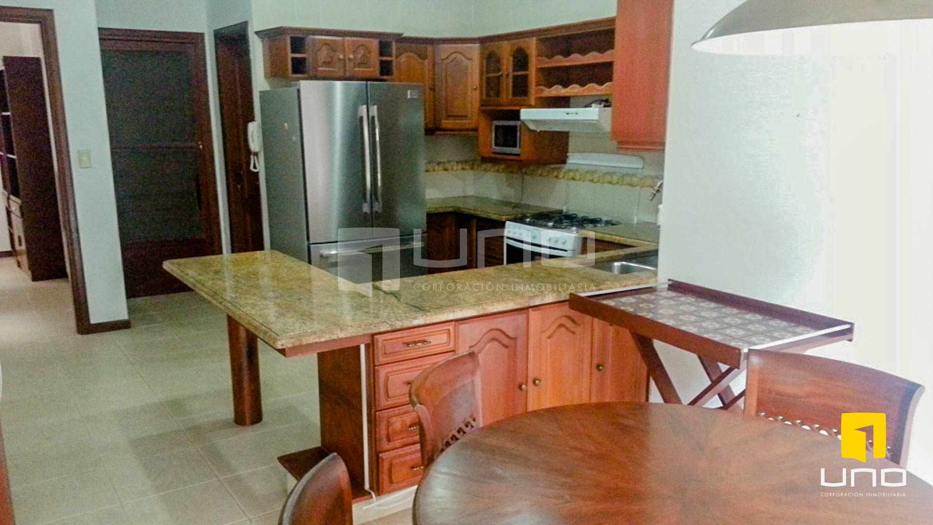 Casa en Alquiler Barrio Las Palmas alquilo amplia casa  con muebles y piscina Foto 16