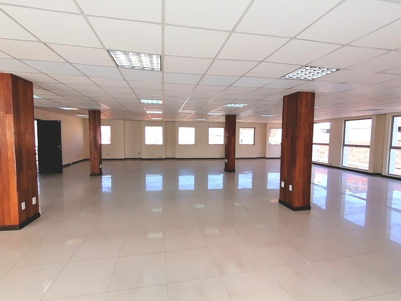 Oficina en Alquiler OFICINA EN ALQUILER 300 mtrs  CALLE SUCRE Foto 4