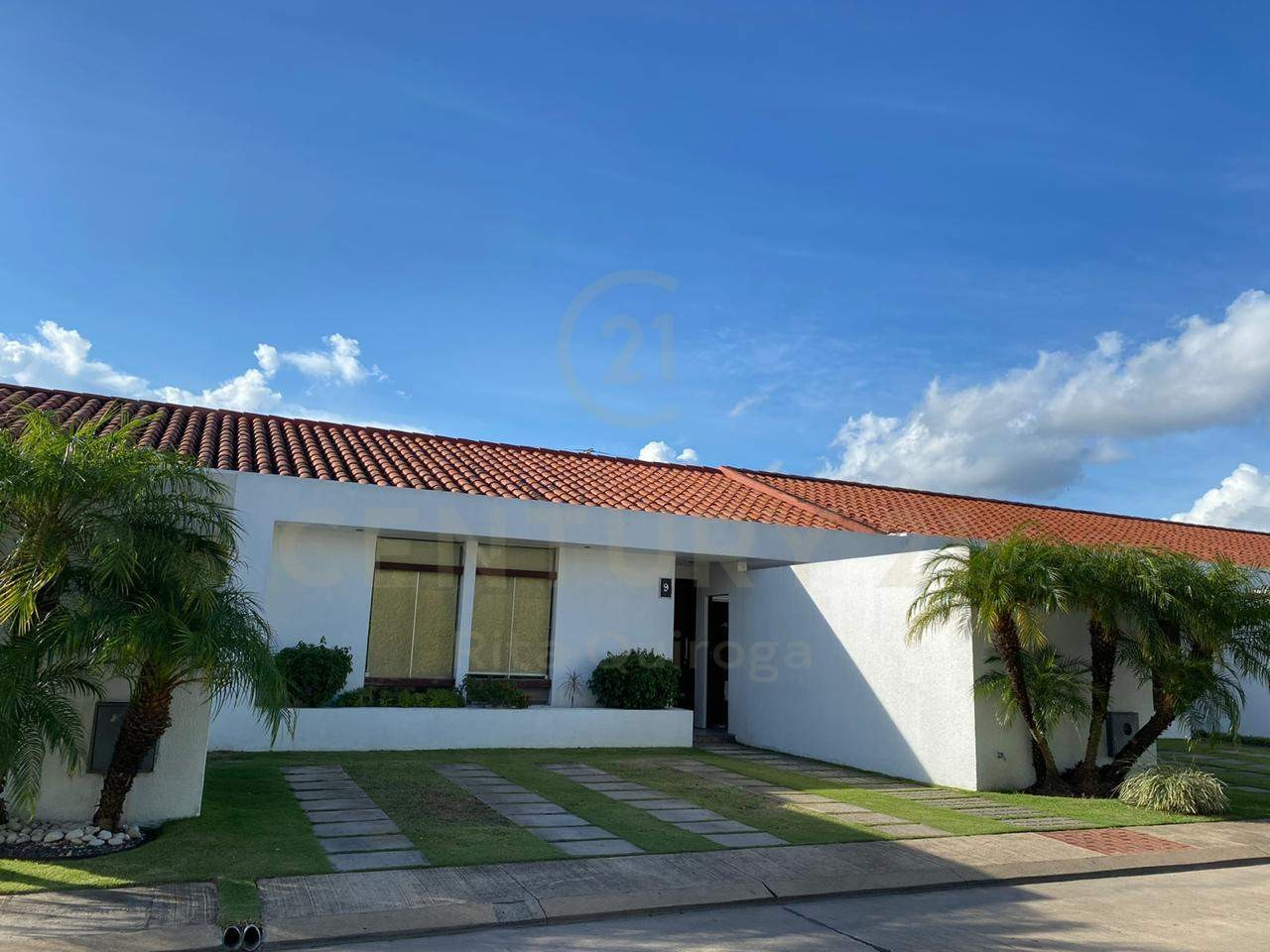 Casa en Alquiler 4to. Anillo, zona Sirari Foto 3