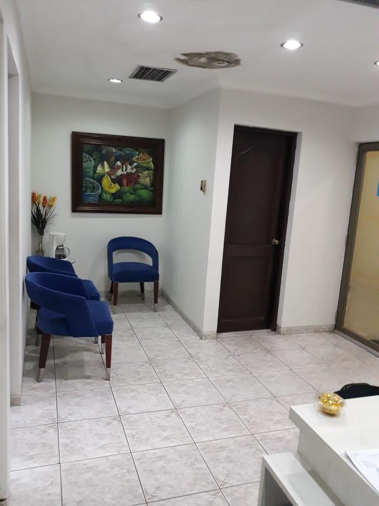 Oficina en Venta Av. Cristobal de Mendoza N°214, esquina calle Libertad Foto 3