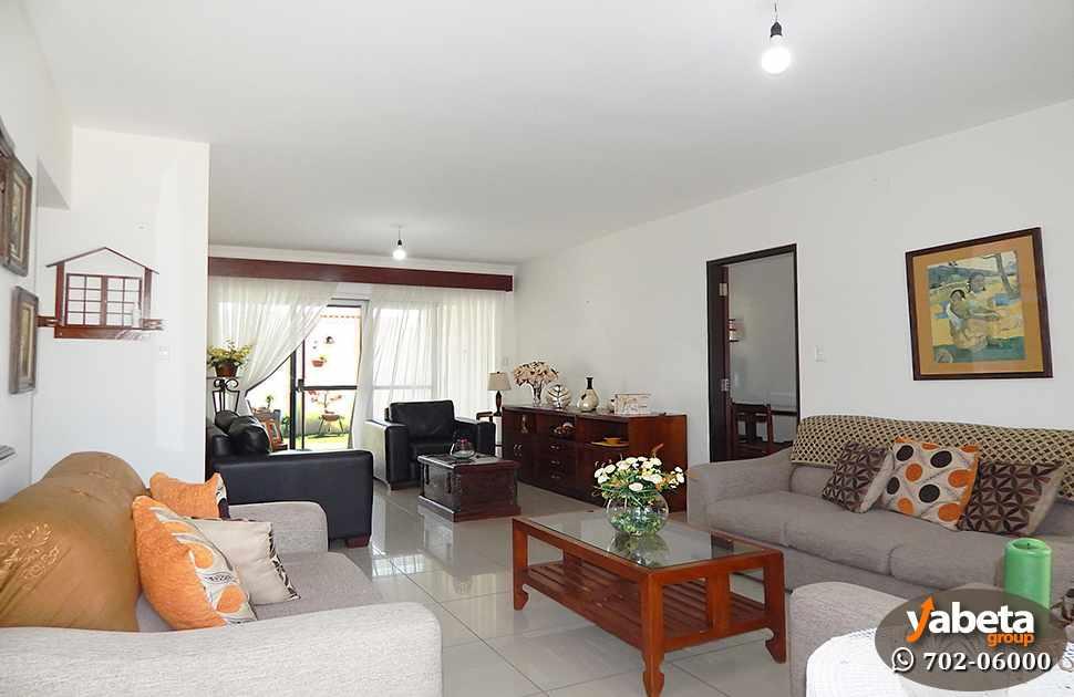 Casa en Venta Casa de 4 Dormitorios Cond. Sevilla Los Jardines Foto 2