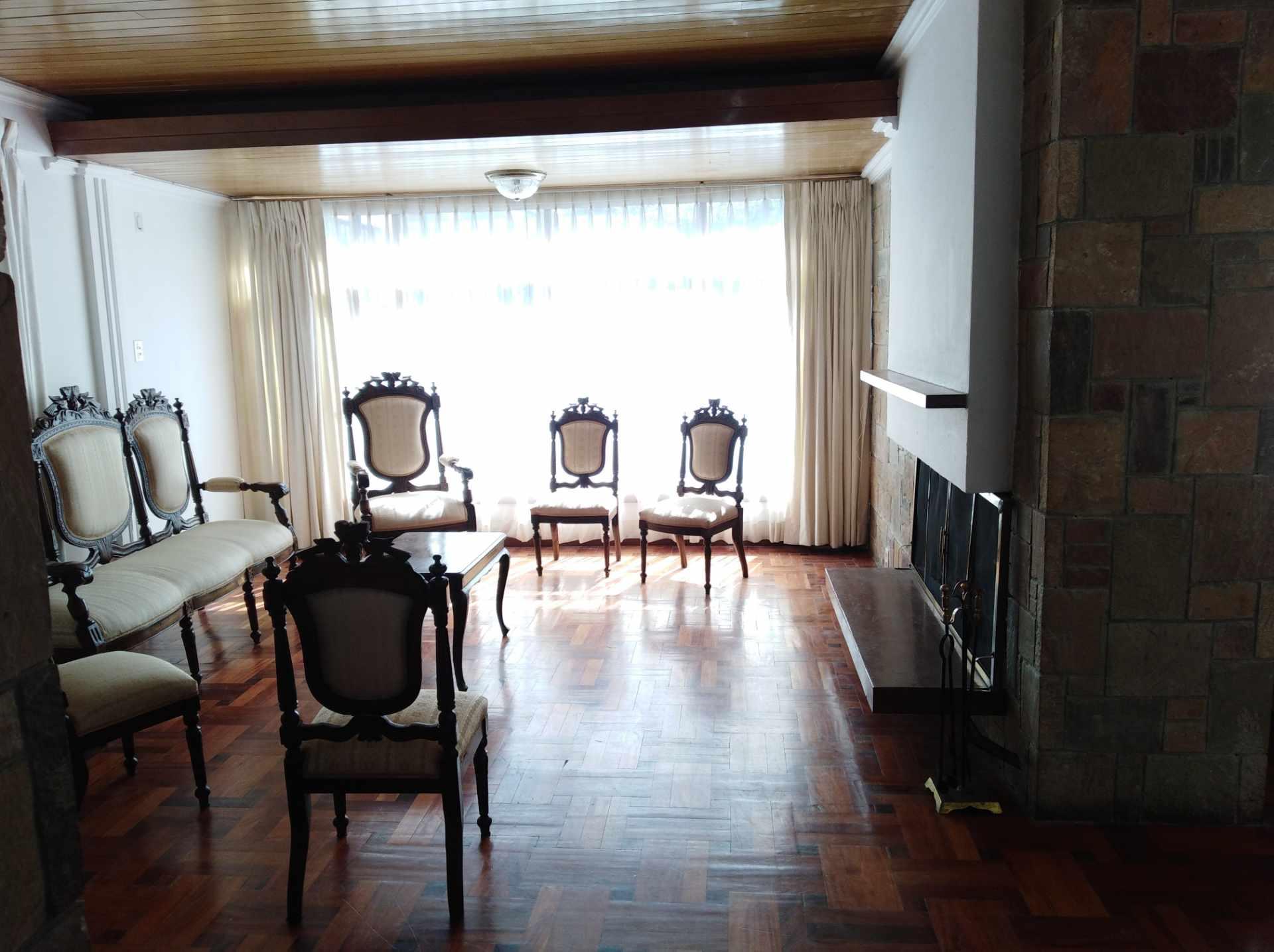 Casa en Alquiler CALACOTO calle 16 a 1/2 cuadra de la Av. Julio C. Patiño.  Foto 39