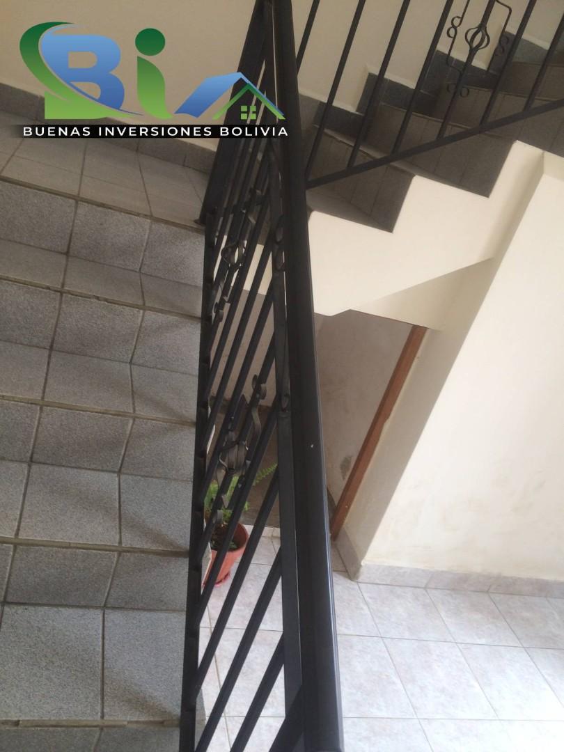 Casa en Alquiler $us.450.- CASA INDEPENDIENTE TRES PLANTAS ZONA CHIMBA PARQUE ACUATICO Foto 12