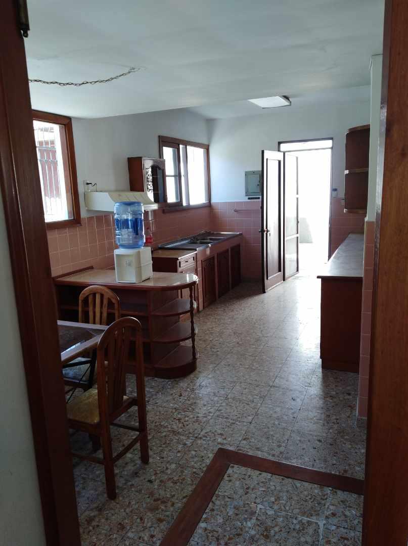 Casa en Alquiler CALACOTO calle 16 a 1/2 cuadra de la Av. Julio C. Patiño.  Foto 34
