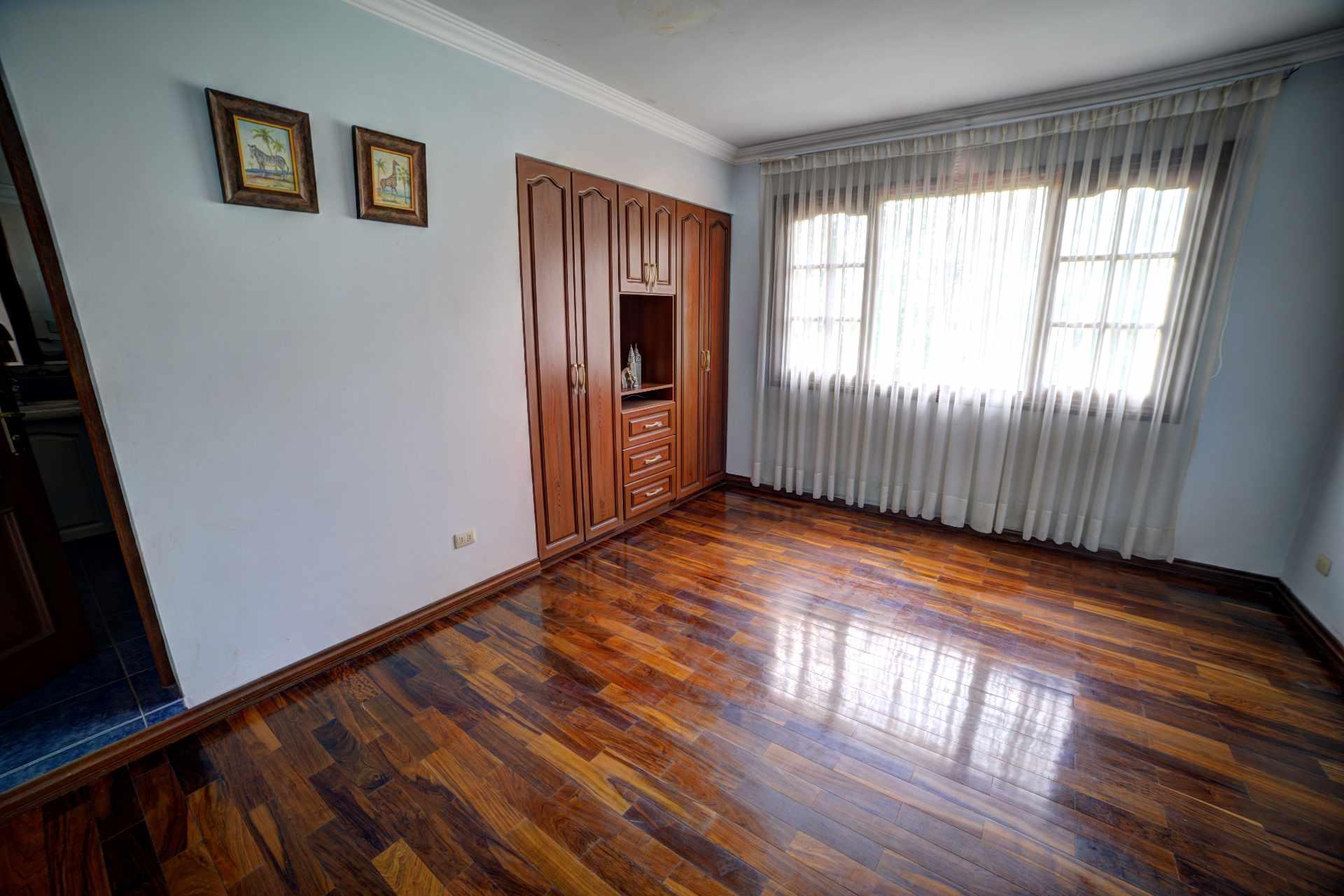 Casa en Venta PRECIOSA Y AMPLIA CASA - ZONA FINAL AMÉRICA OESTE Foto 17